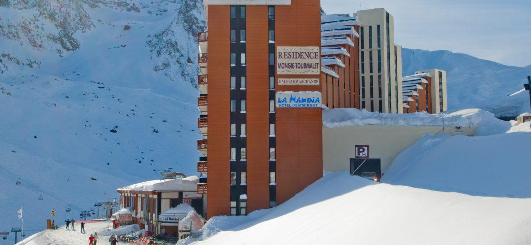 Entrée Hôtel La Mandia, La Mongie, Pyrénées